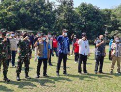 Polres Metro Bekasi Kota dan Wawakot Bekasi Hadiri Penyerahan Bantuan 24.000 Masker dari Staf Kepresidenan di Bantar Gebang