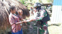 Melalui Patroli Simpatik, Satgas Yonif 751 Berikan Pengobatan Gratis Kepada Masyarakat Lanny Jaya