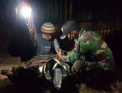 Satgas TNI Yonif 751 Bantu Warga Kampung Mumi yang Sedang Kesusahan
